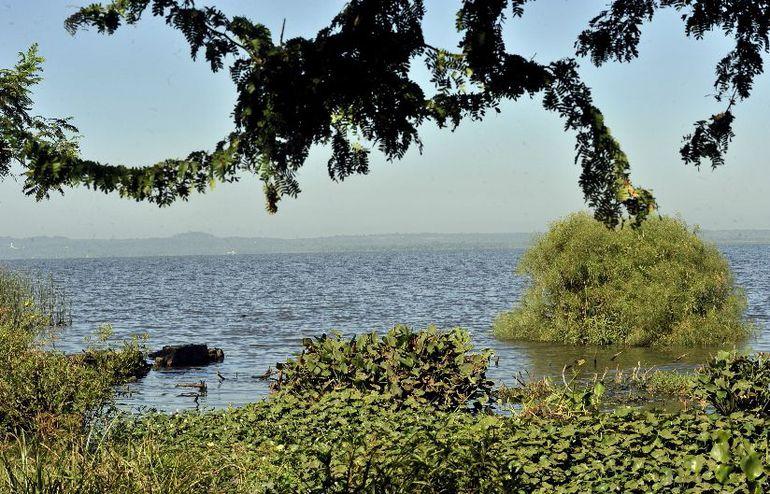 EL hombre ingresó a las aguas del lago por su propia cuenta, según los testigos. (Foto ilustrativa).