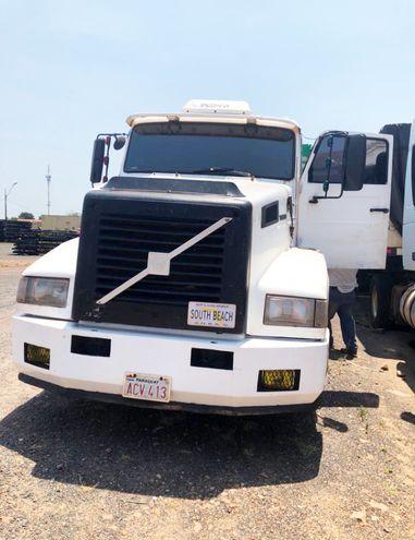 El otro vehículo de gran porte traía paquetes de azúcar, todos de origen brasileño.