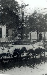 La Plaza de Santa Cruz cubierta por la nevada. ARCHIVO