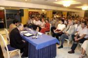 Monseñor Balducci durante su intervención en el Aula de Cultura de ABC con una sala abarrotada de público. J. M. SERRANO