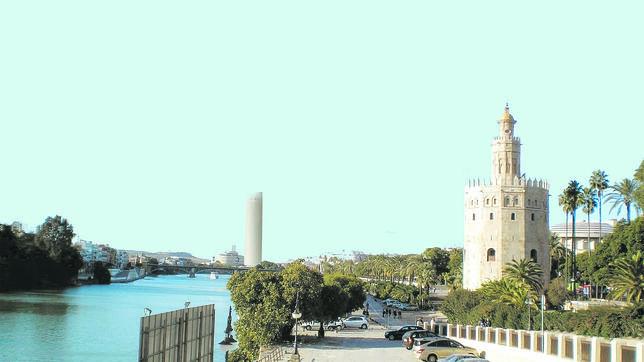 Imagen virtual de cómo quedará el panorama del Guadalquivir desde la Torre del Oro con la polémica Torer Pelli al fondo. - ABC.es