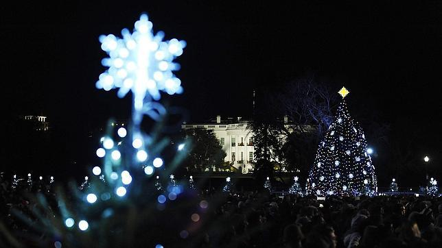 https://i0.wp.com/www.abc.es/Media/201112/02/AFP-obama-arbol-casa-blanca--644x362.jpg