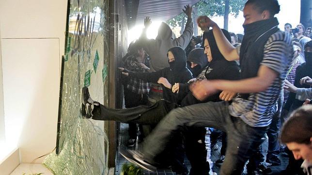Prisión para tres de los detenidos por los destrozos en Barcelona el 29-M