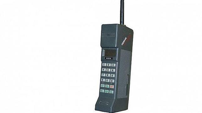 El Nokia Mobira Cityman, conocido como el «móvil ladrillo» de 800 gramos, cumple 25 años
