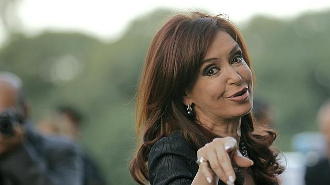 Kirchner: «Argentina está cambiando la historia al recuperar YPF»