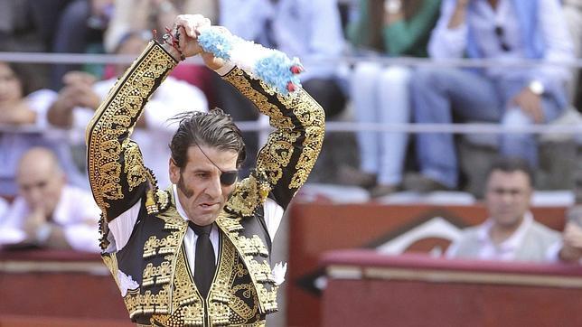 El Fandi corta una oreja y Padilla pincha el triunfo en Salamanca