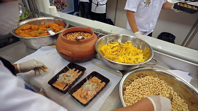 Austria busca 5.000 camareros y cocineros españoles. Sueldo, 1.800 euros