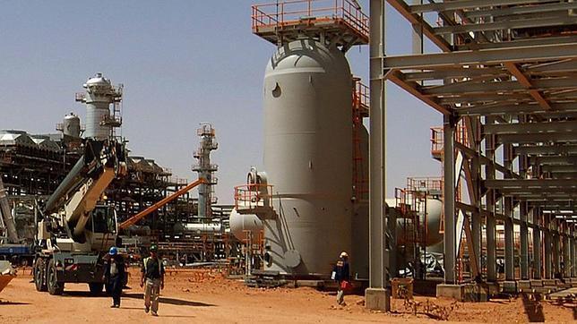 Varios de los rehenes logran escapar de la planta de gas tomada por Al Qaida en Argelia