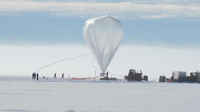 Un globo de la NASA bate un récord al volar más de 55 días sobre la Antártida
