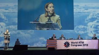 La ministra Pastor, durante su discurso inaugural. Fuente: ABC