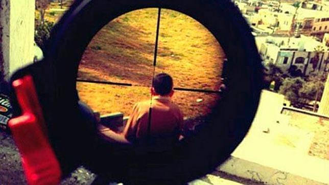 Israel investiga la foto de un niño palestino visto a través de la mira de un rifle