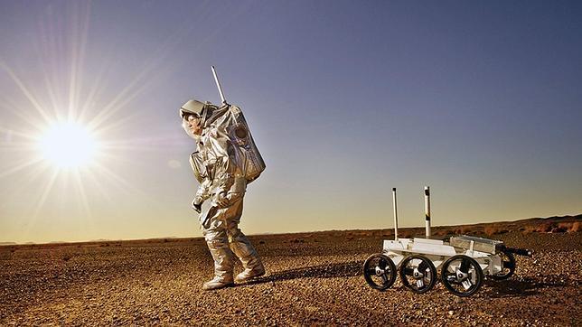 Astronautas se aislan en el desierto marroquí para simular un viaje a Marte