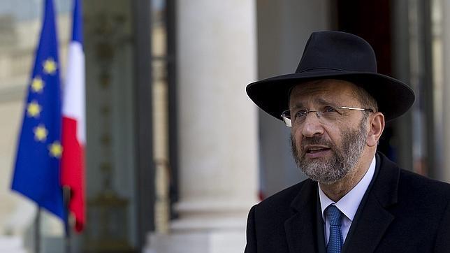 Dimite el Gran Rabio de Francia tras reconocer que plagió textos de varios autores