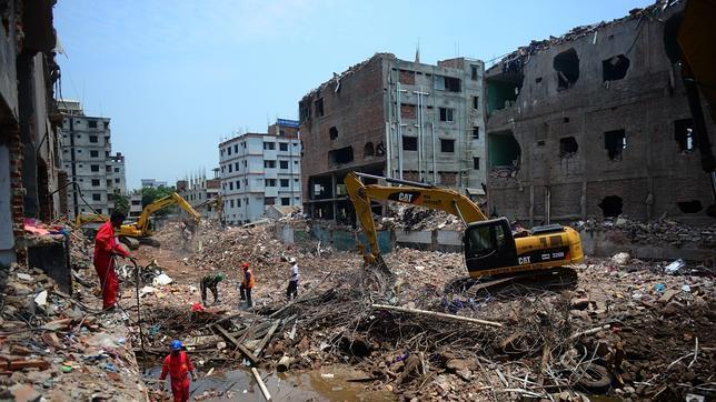 Cierran más de 100 fábricas textiles en Bangladesh por protestas salariales