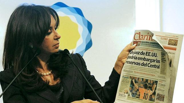 La presidenta argentina valora intervenir el principal grupo de comunicación