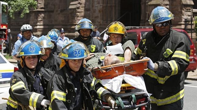 El derrumbe de un edificio en Filadelfia deja seis muertos y 13 heridos