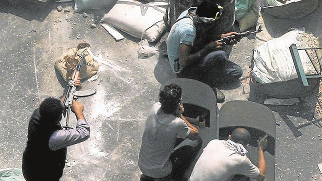 Los islamistas se organizan en grupos terroristas urbanos para seguir la lucha