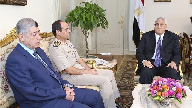 El Gobierno egipcio retrasa dos horas el comienzo del toque de queda