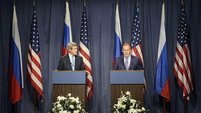 Kerry: «La promesa de Assad de renunciar a las armas químicas no es suficiente»