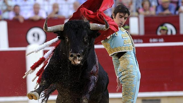 El «Fogoso» idilio de Perera con Albacete brinda otra tarde soberbia y triunfal con una buena corrida de Jandilla