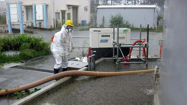 Fukushima vertió 1.130 toneladas de agua tóxica al mar por la llegada del tifón