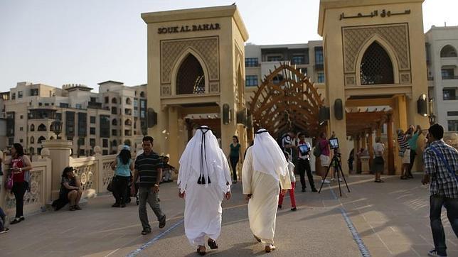 El número de españoles en Emiratos Árabes Unidos se duplica en sólo un año