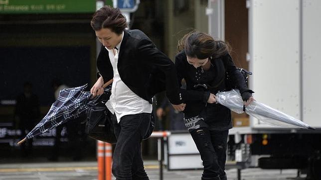Al menos diecisiete muertos y 42 desaparecidos en Japón por el tifón Wipha