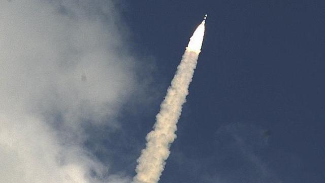 La India lanza su primera misión a Marte