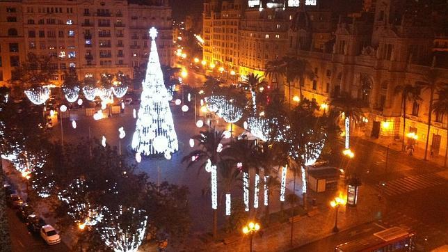 Pruebas de las iluminacin navidea de la plaza del