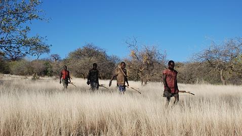La tribu Hazda utiliza técnicas de caza tradicionales