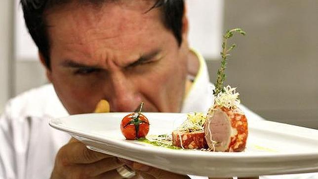Gianfranco Charini critica la gastronoma molecular de