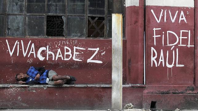 Los médicos enviados por Cuba a Venezuela huyen en masa a EE.UU.
