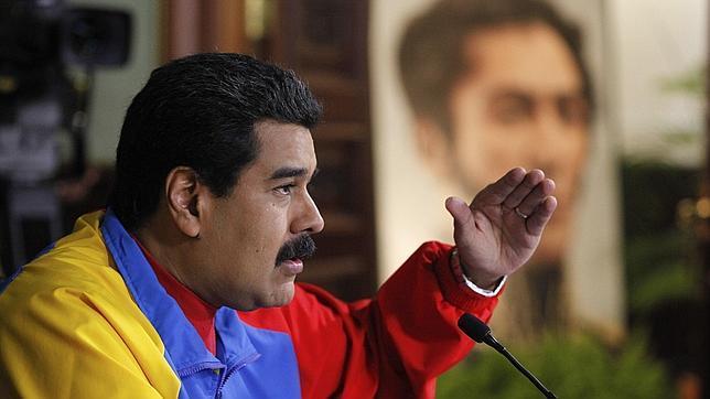 Maduro abre una línea telefónica para delatar a «traidores» en el chavismo
