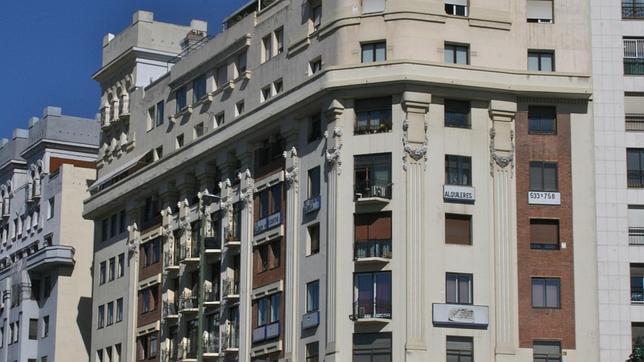 los tres edificios que madrid levant en para homenajear al titanic