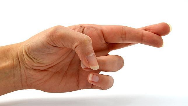 Cruzar los dedos reduce el dolor