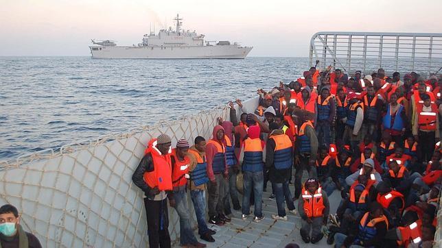 https://i0.wp.com/www.abc.es/Media/201504/23/inmigrantes-italia--644x362.jpg