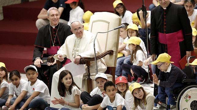 https://i0.wp.com/www.abc.es/Media/201505/11/papa-francisco-ninos--644x362.jpg