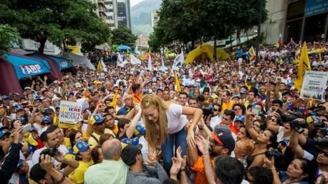 Un multitudinario clamor contra el chavismo toma las calles de Caracas