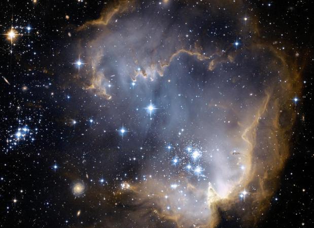 Cúmulo estelar NG 602. El polvo podría ser un fenómeno común en la dispersión de la vida, según los investigadores