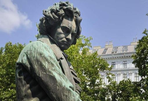Estatua dedicada a Ludwig van Beethoven en Viena