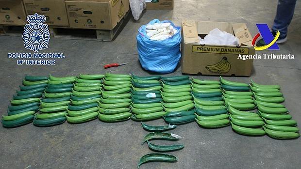 Imagen de la mercancía incautada hoy por la Policía