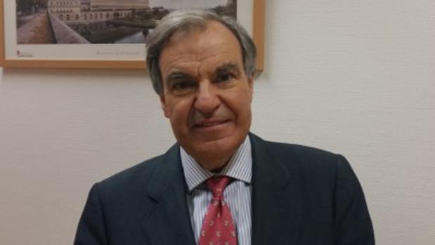 Luis Peral, histórico político madrileño que anuncia que abandona el escaño