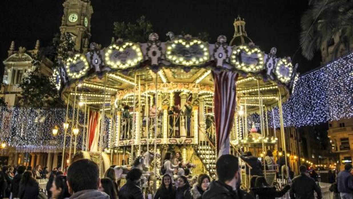 Valencia adelanta la iluminacin navidea y prepara un
