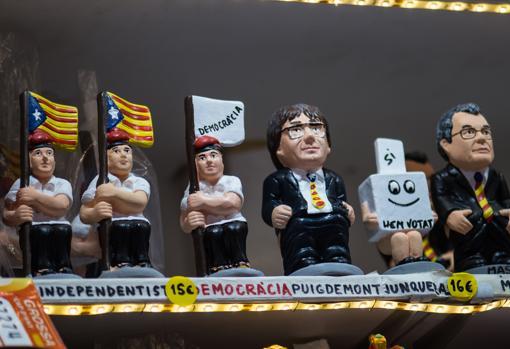 Figuras de «caganers» con Puigdemont y Artur Mas de protagonistas