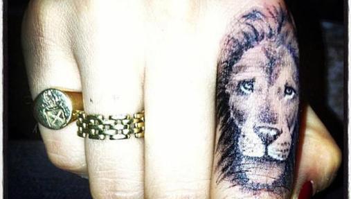 El Significado De Los Tatuajes De Cara Delevingne