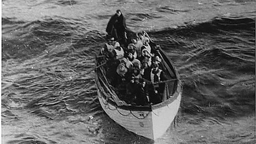 Uno de los botes salvavidas