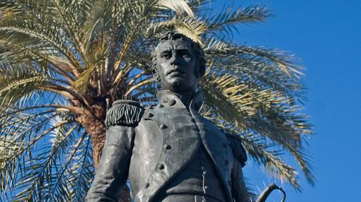 Estatua de Daoiz en la Plaza de la Gavidia de Sevilla