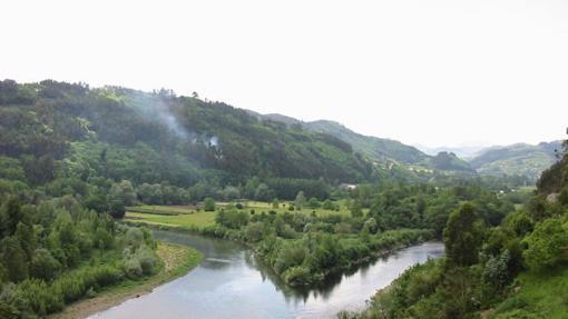 Confluencia del río Narcea con el Nalón en territorio praviano.