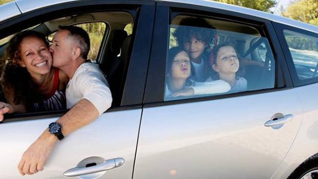 Resultado de imagen de coche en familia