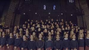 500 niños graban una felicitación musical al Papa